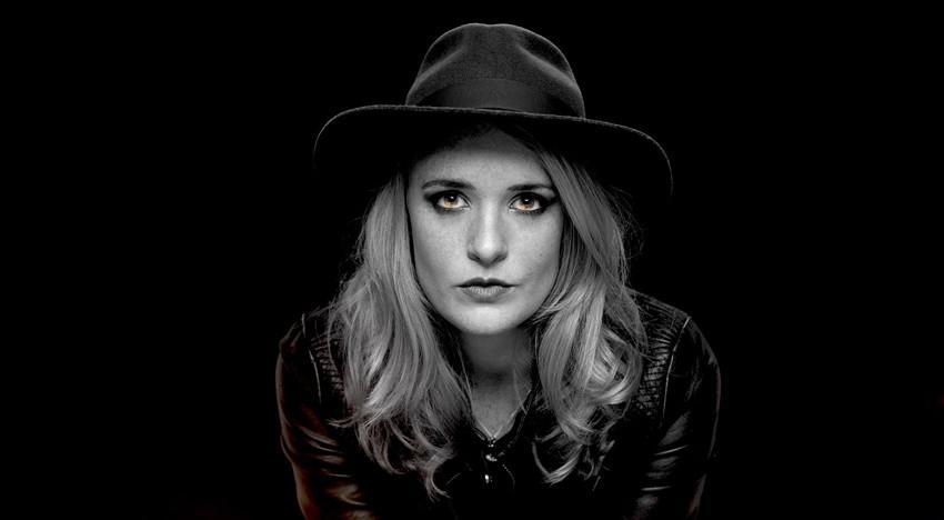 Elles Bailey - Excellent blues from UK